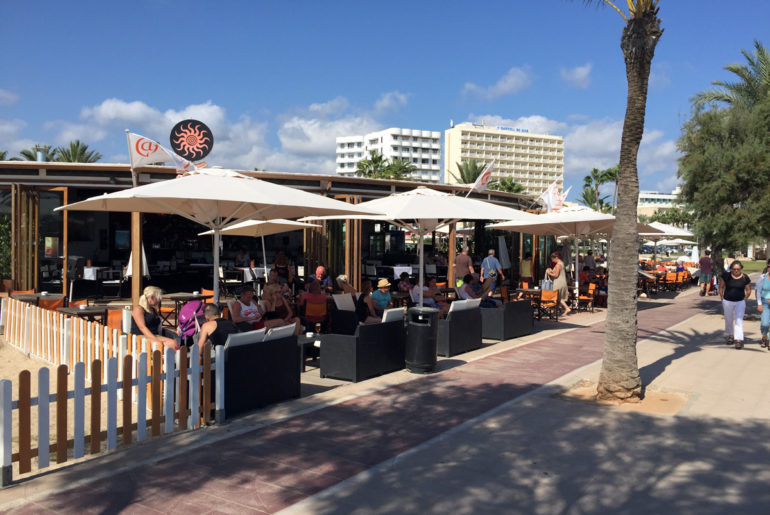 Cafe del Sol am Strand